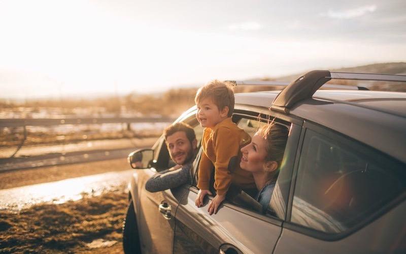 Família no carro