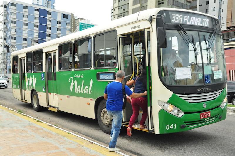 Passageiros no ônibus em Natal