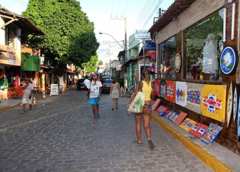 Avenida Baía dos Golfinhos em Pipa